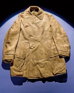 Edgerton's leather pilot's jacket Image: Smithsonian National Air and Space Museum (ID: A19320001000)